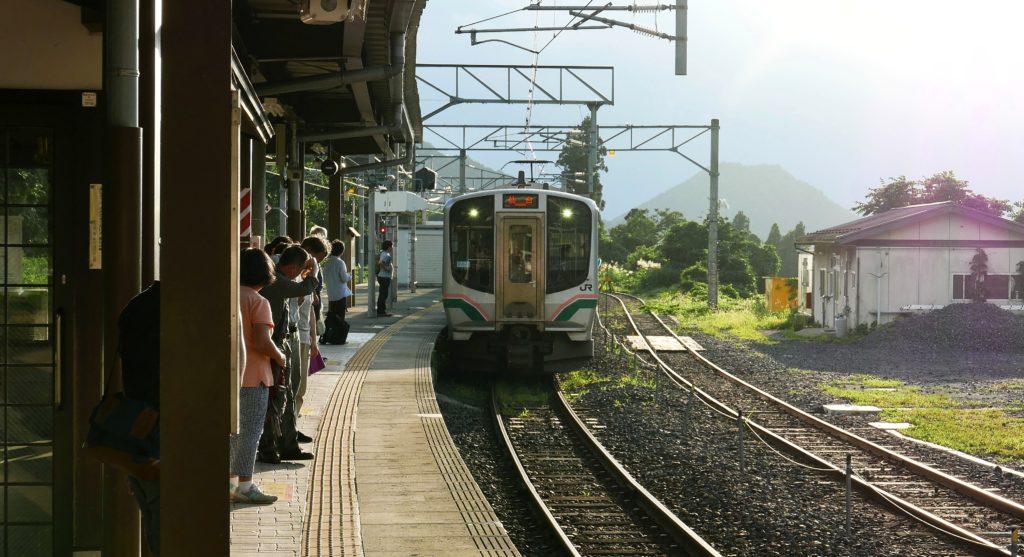 山寺駅と仙山線